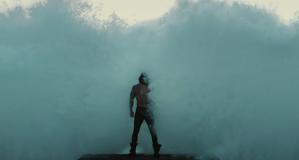 Jason-Momoa-Aquaman-Justice-League-Pictures-2